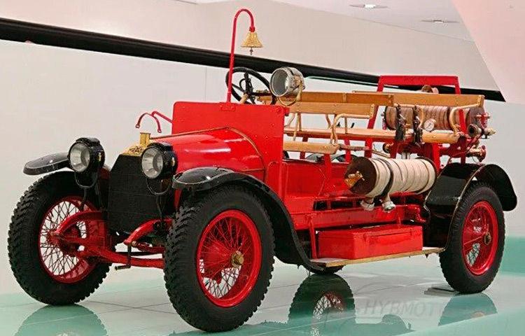 Tesla-Modell 12