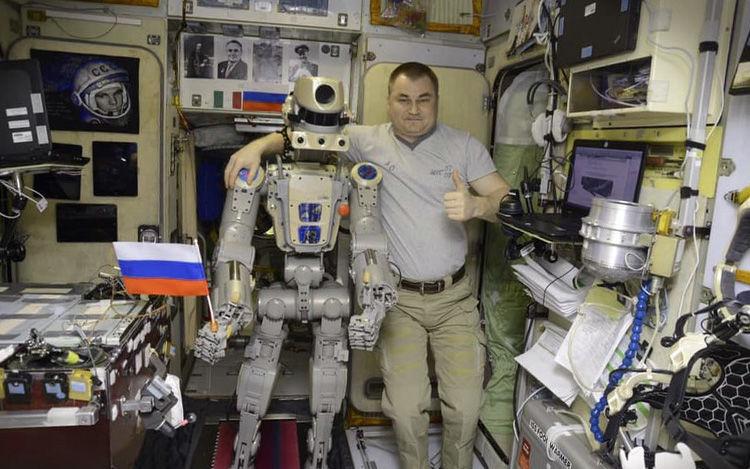 roboți de tranzacționare complexi)
